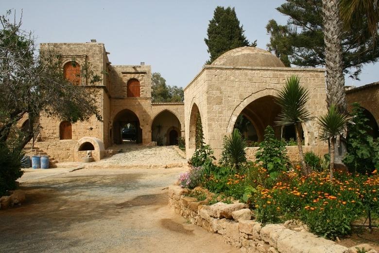 Изображение монастыря в Айя-Напе. Блог ProCyprus