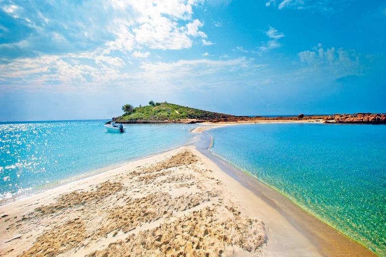 Изображения пляжа Нисси Бич в Айя-Напе. Блог ProCyprus