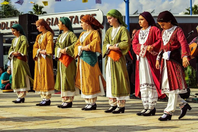 Изображение жителей Кипра в национальных костюмах. Блог ProCyprus